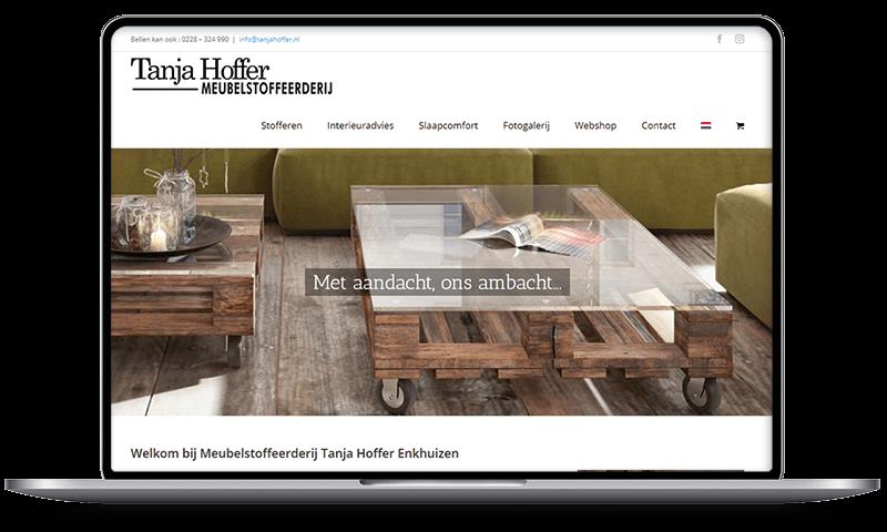 Raamdecoratie Tanja Hoffer, Enkhuizen | Multimediafabriek